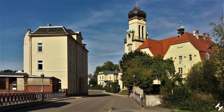Stadtbildprägende St. Johanniskirche an der Pleißebrücke