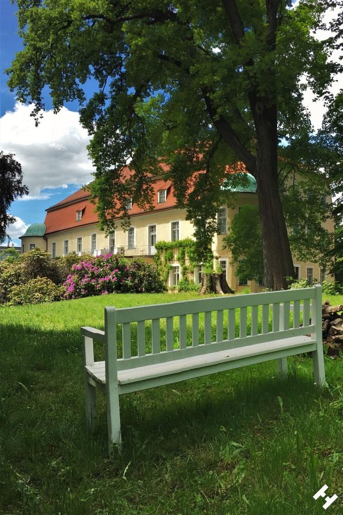 Wasserburg mit Hotel, Sporthalle und Tagung in Neukirchen